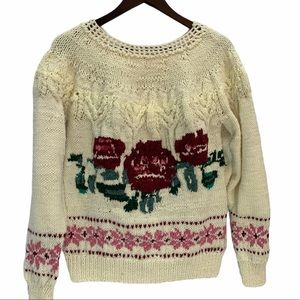 Vintage Hand Knit Sweater Roses Size S/M🌸